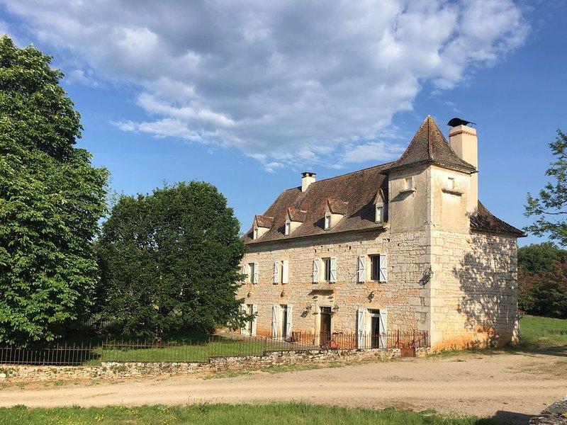 Maison de maitre - LOT -- Calme et Nature - 46320 QUISSAC, holiday rental in Blars