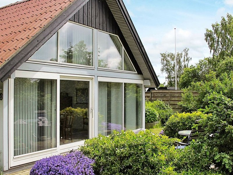 Luxurious Holiday Home in Stroby Egede near Sea, holiday rental in Rødvig