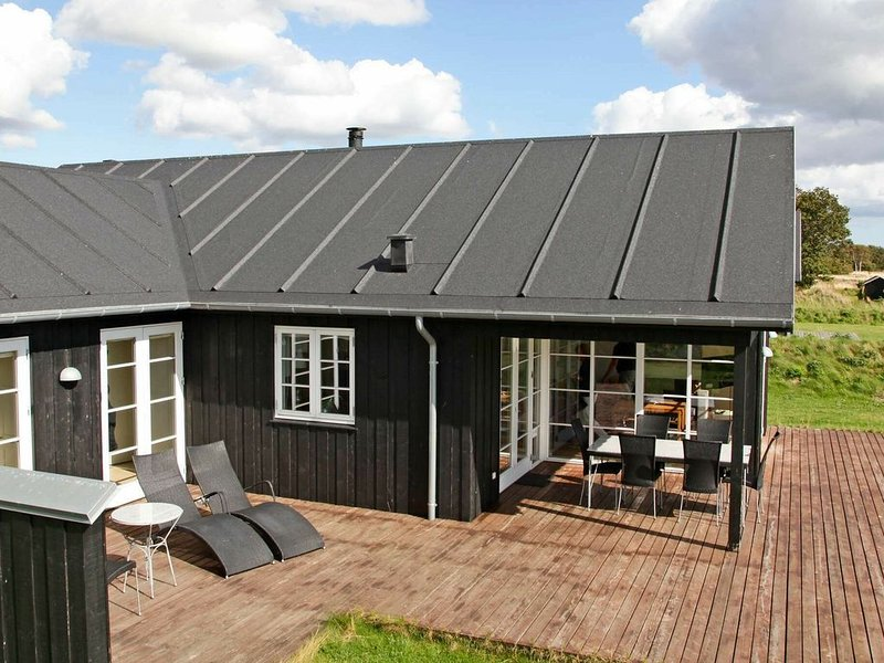 Modern Holiday Home in Nysted with Sauna, location de vacances à South Zealand