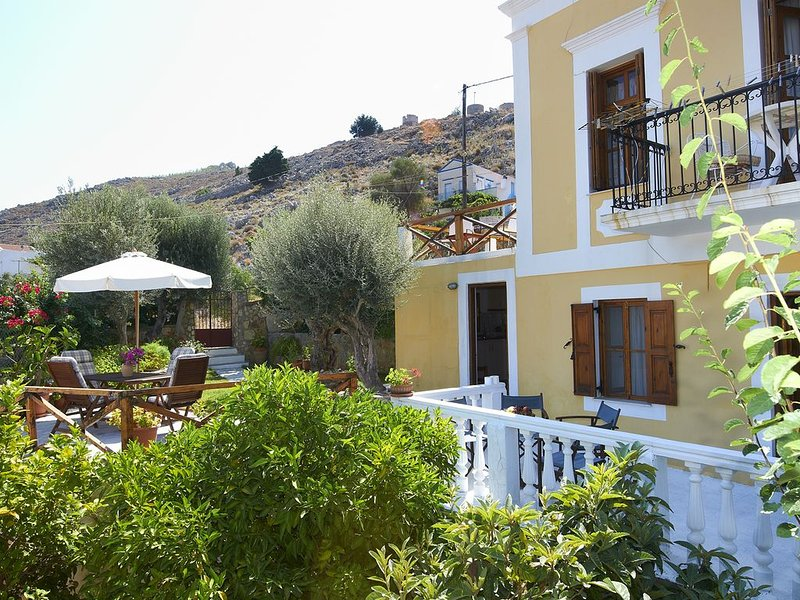 Fotini's Cottage ' Traditional House in Symi ', holiday rental in Ano Symi