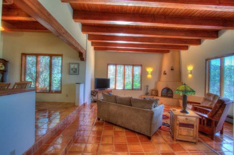 Beautiful Authentic Santa Fe Style Home With Incredible Views. - We are doing ou, casa vacanza a Pecos