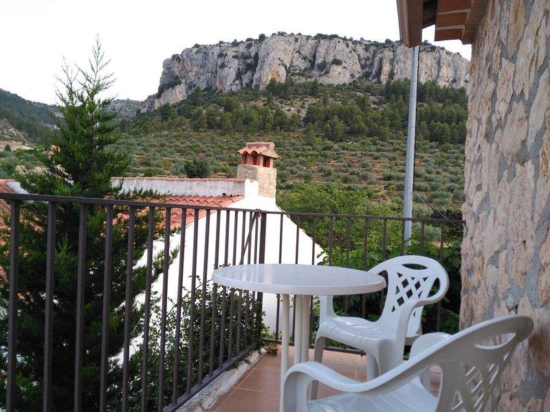 Casa Villar - Casas de los Abuelos, holiday rental in Elche de la Sierra