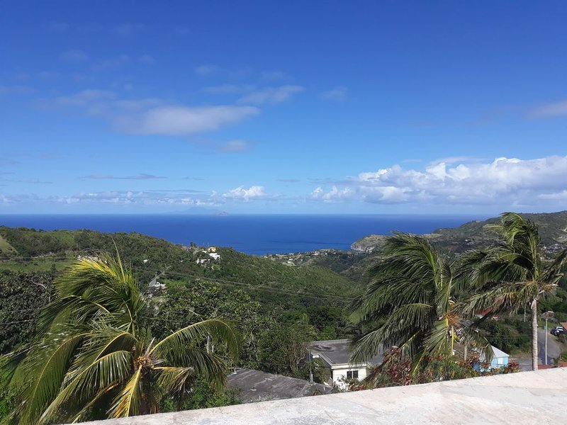 Spacious 1 bedroom Apartment to rent in Montserrat West Indies., aluguéis de temporada em Montserrate
