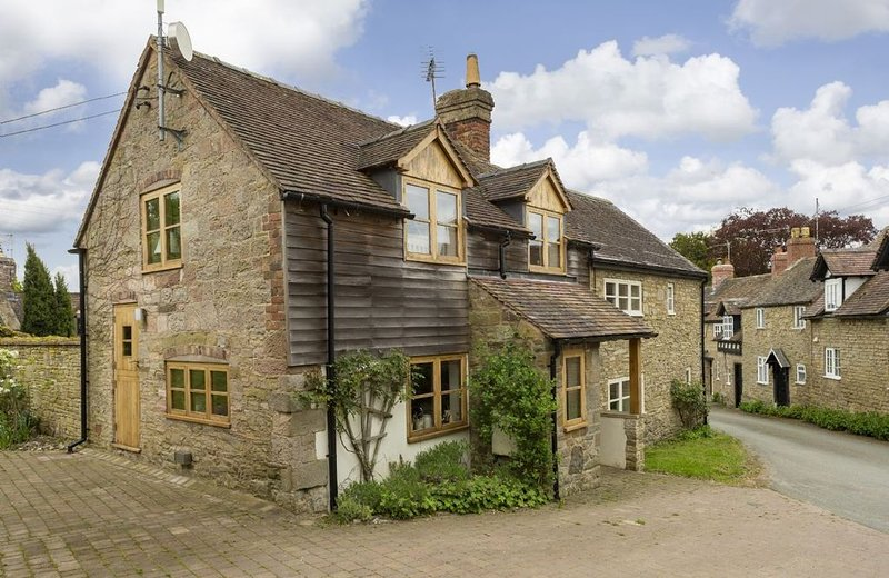 Situated on the edge of the Shropshire Hills, New Inn Cottage, a 2 guest holiday, Ferienwohnung in Church Stretton