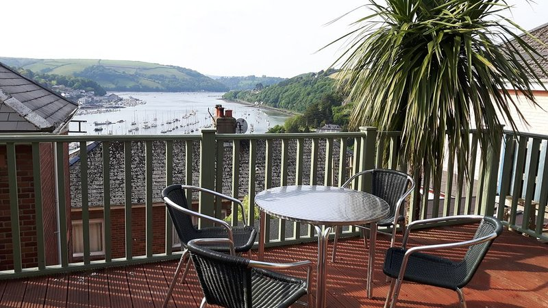 Three Bedroom Holiday House in Kingswear, nr Dartmouth, holiday rental in Dartmouth