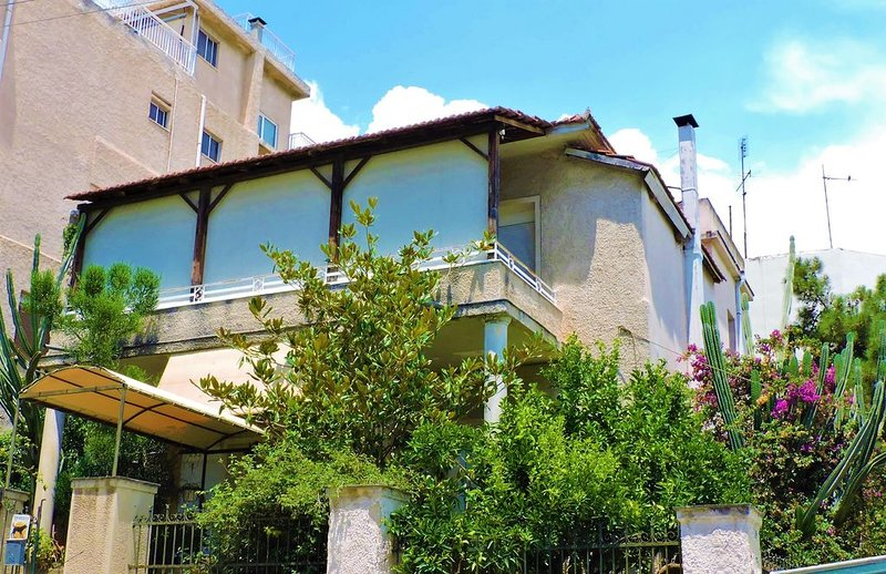 The best detached house in Athens, near the Athens' airport, holiday rental in Paleo Faliro