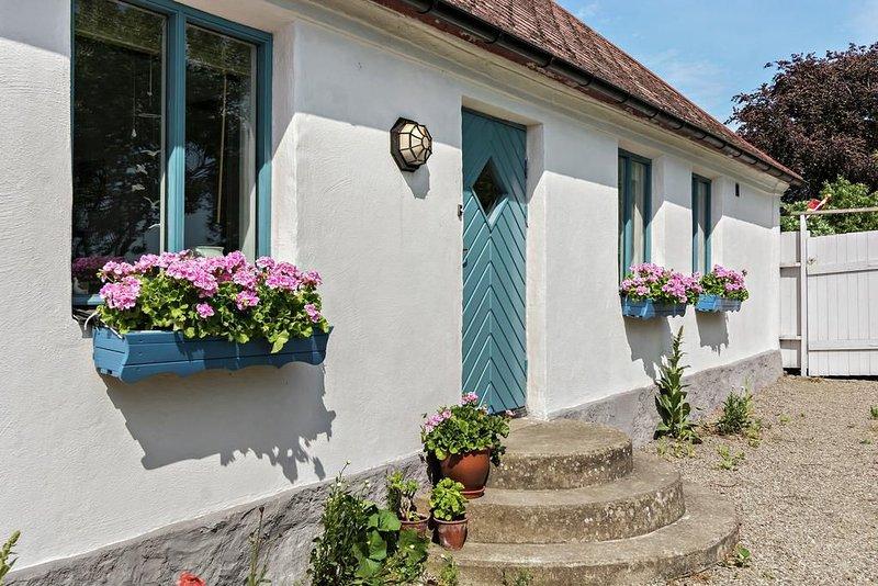 Charmigt hus i hjärtat av Österlen, holiday rental in Loderup