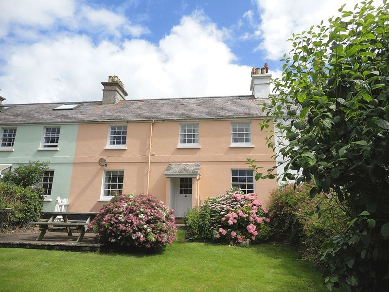 4 Coastguards Cottage, HOPE COVE, holiday rental in Hope Cove