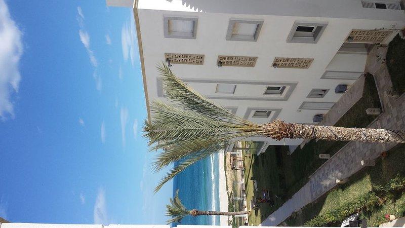 Vacances pieds dans l'eau à la Résidence Nadine  Chtt Meriam sousse El-kantaoui, vacation rental in Sousse