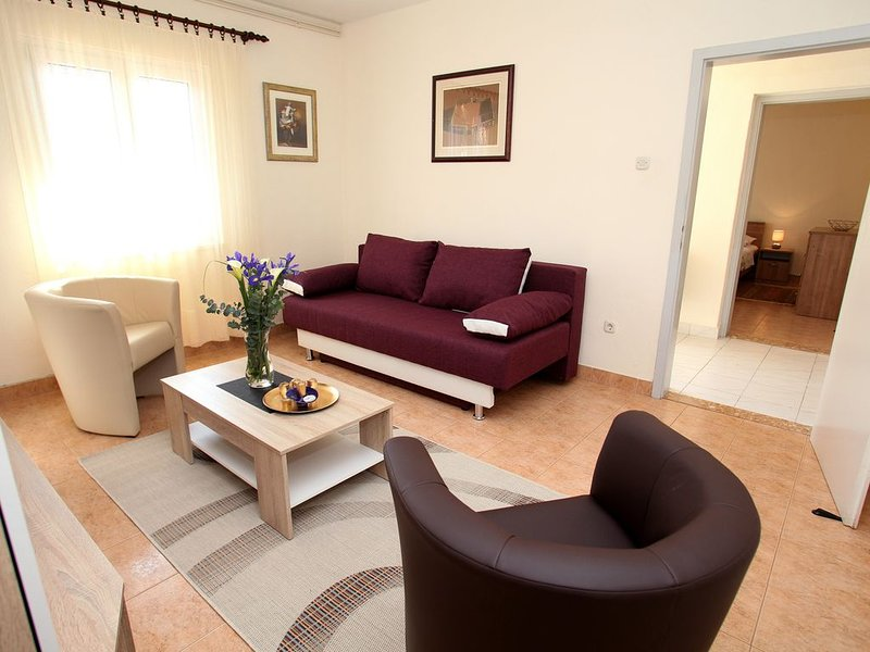 Spacious Apartment in Marina, with two bedrooms,terrace,wifi and air condition, vacation rental in Marina