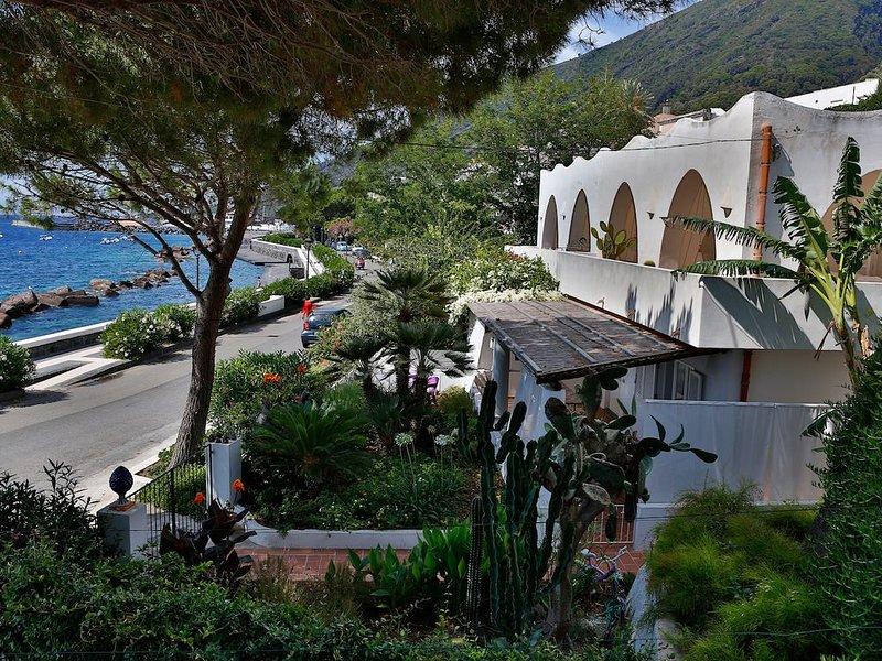 Villa Maria Terzita: piano terra, holiday rental in Aeolian Islands