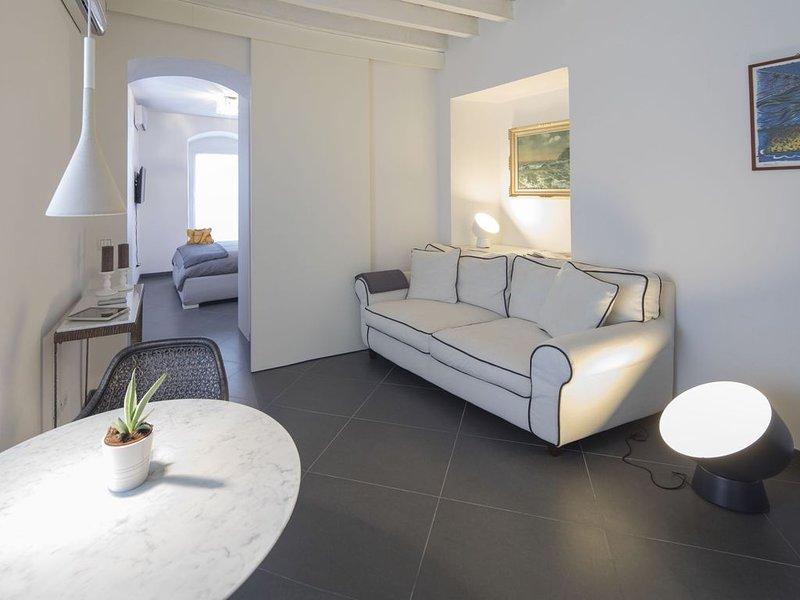 Il Mare in Piazza appartamento in centro città, casa vacanza a La Spezia