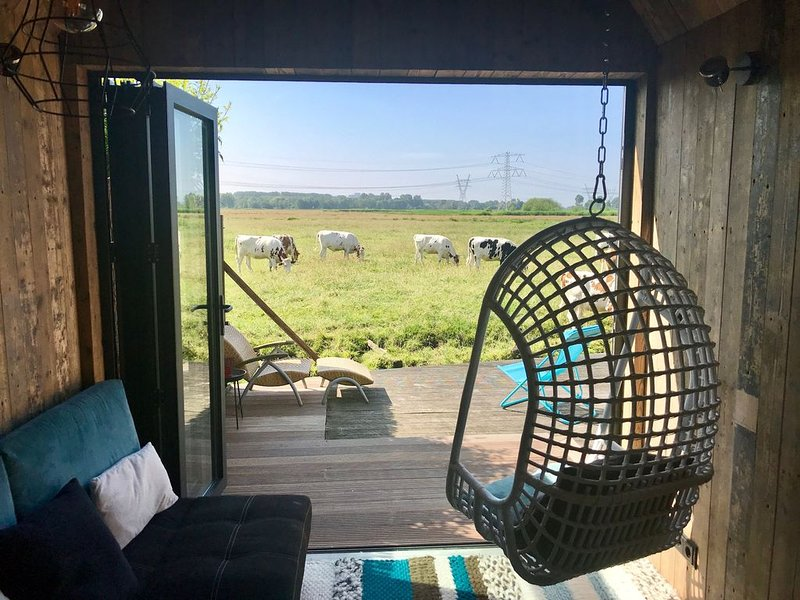 Amsterdam, Tiny House at special location, holiday rental in Weesp