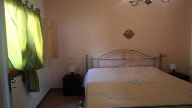 CASA LEOMATANI   - Piano terrai,2 camere + divano matrimoniale,doccia esterna, holiday rental in Bagno di Gavorrano