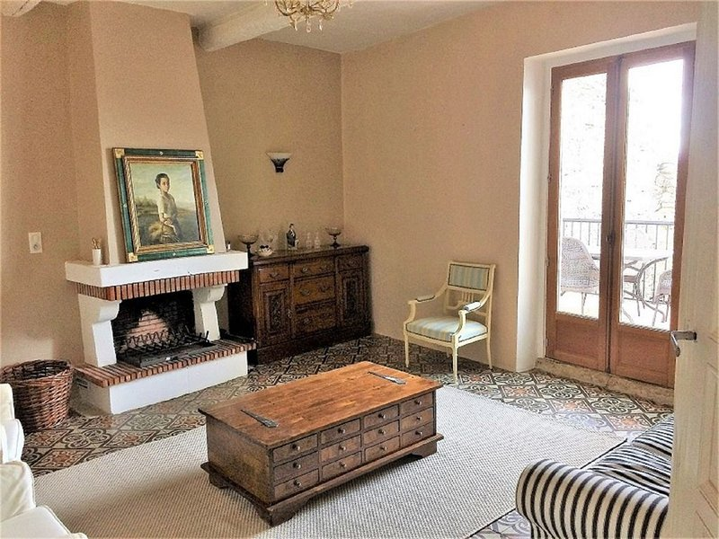 SPACIOUS HOME, PLENTY OF FEATURES WITH A STUNNING VIEW FROM THE TERRACE, vakantiewoning in Bassan