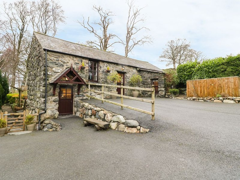Cyffdy Cottage - Arenig, PARC, vacation rental in Llanuwchllyn