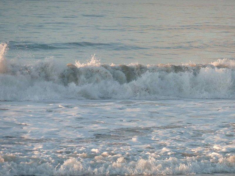 Les PORTES: Vue magnifique, maison très calme, 150m des plages, 5' du Village, holiday rental in Loix