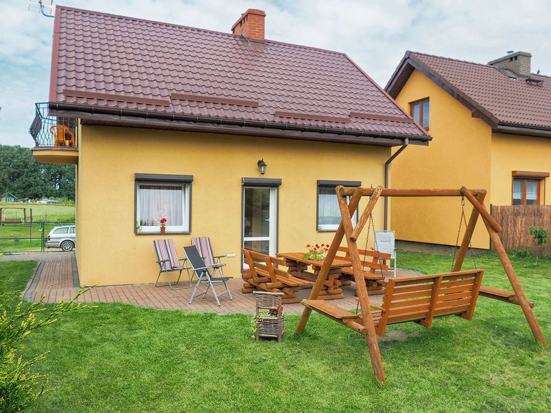 Vibrant Holiday Home in Czewienne with Barbeque, holiday rental in Western Poland