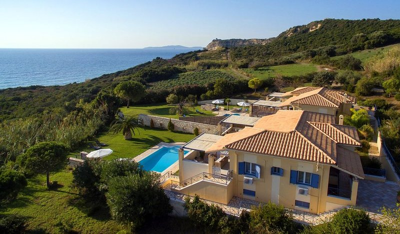 R640 Villa Musa Sea View with Private Pool Air Con, holiday rental in Agios Stefanos