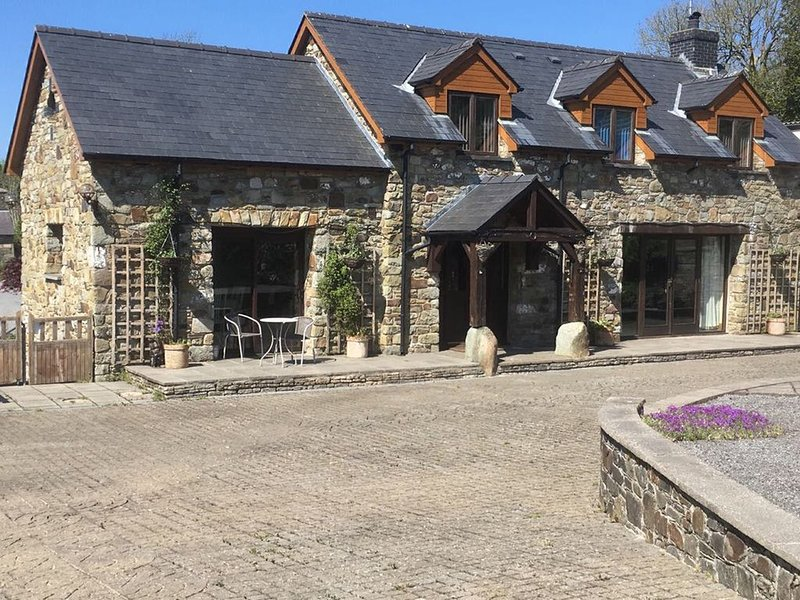 Clos-y-Hendy, TRESAITH, vacation rental in Tan-y-groes