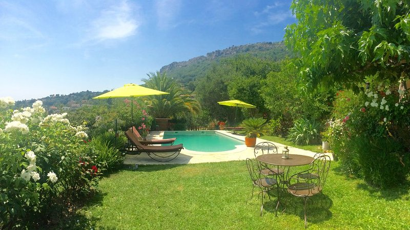 Maison avec jardin et piscine Vue panoramique, Ferienwohnung in Vence