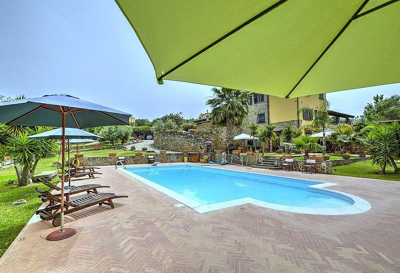 Casa Turchino B, rimborso completo con voucher*: Un accogliente appartamento che, vacation rental in Alano