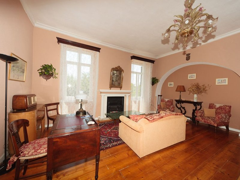 Corfu Liston Old Town Apartment, holiday rental in Vitouládes