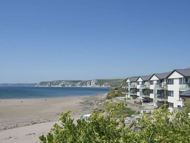 14 Burgh Island, BIGBURY-ON-SEA, holiday rental in Burgh Island