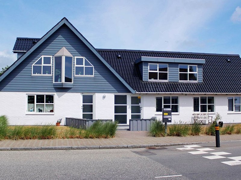 Beautiful Holiday Home in Esbjerg near Sea, holiday rental in Sjaelborg