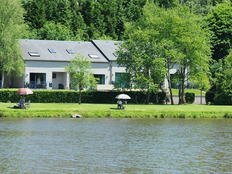 Comfortable holiday home with a microwave, near Vielsalm, holiday rental in Commanster
