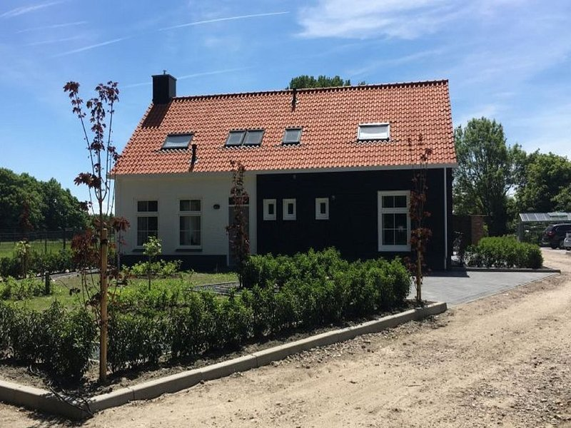 Picturesque Holiday Home in Oostkapelle near Beach, holiday rental in Aagtekerke