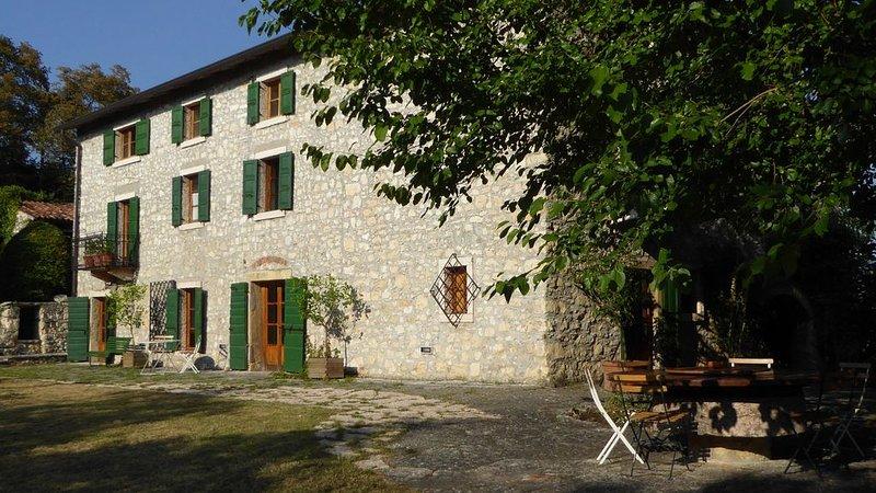 Belle maison de famille dans les collines entre Vérone et Lac de Garde, holiday rental in San Pietro in Cariano