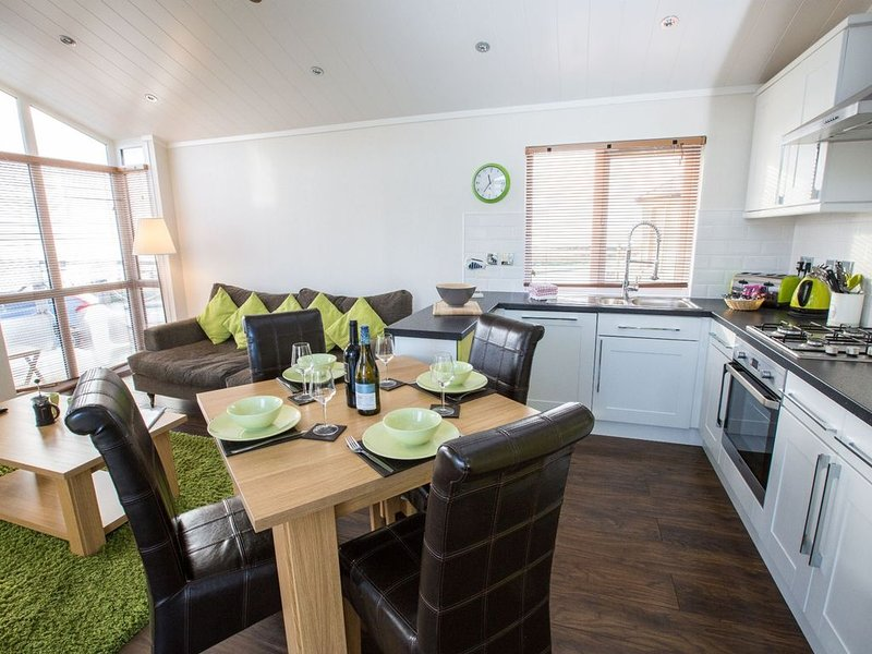 Seabreeze Lodge (2 Bed) Pets -  a lodge that sleeps 4 guests  in 2 bedrooms, holiday rental in Anstruther