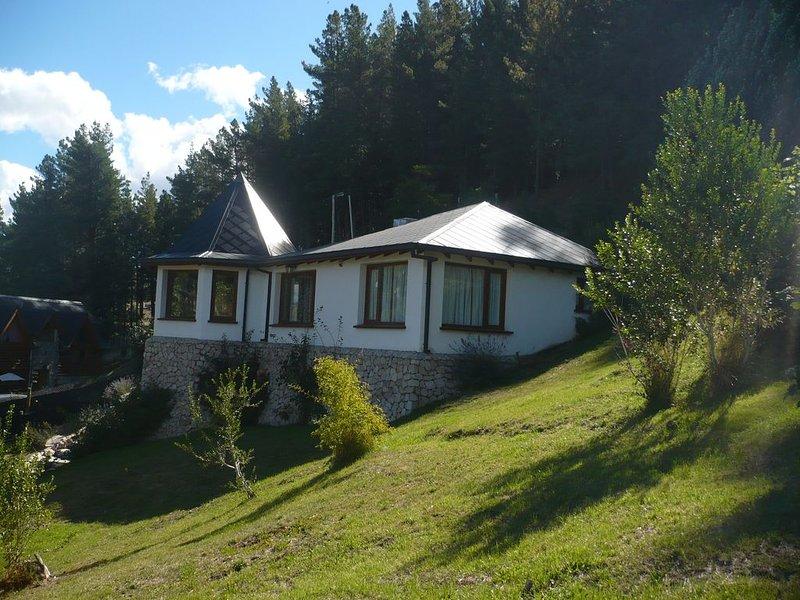 Casa de vacaciones en los faldeos de Esquel, vacation rental in Trevelin