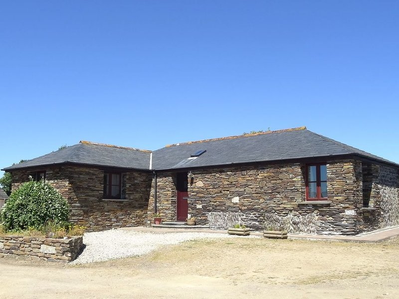 The Barn, PORT ISAAC, vacation rental in Port Gaverne