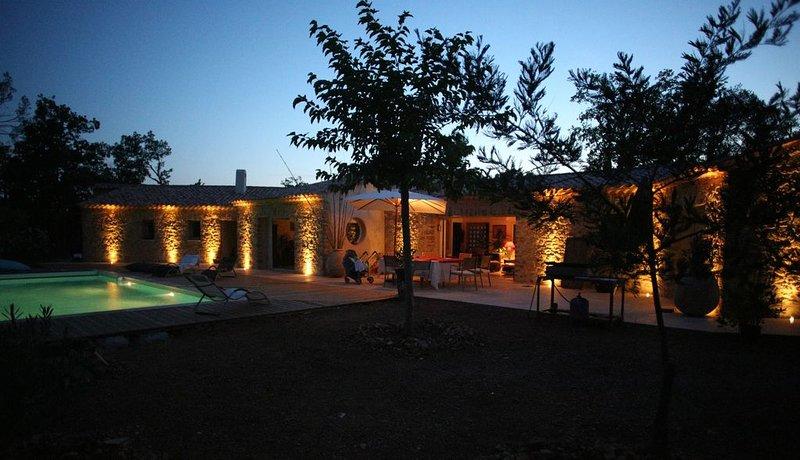 Magnifique Maison d'architecte de 300m2 au coeur de la Provence, location de vacances à Lorgues