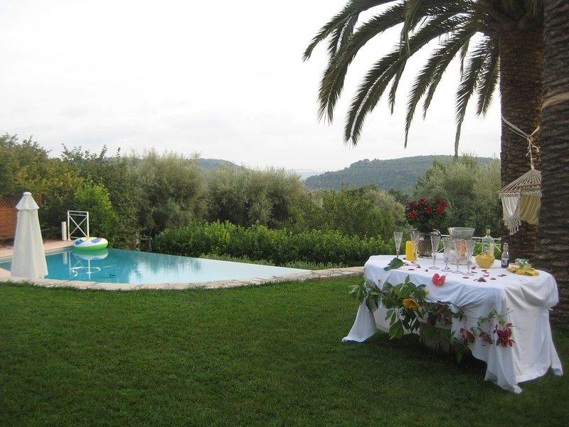 Studio independant dans villa de charme, holiday rental in Coursegoules
