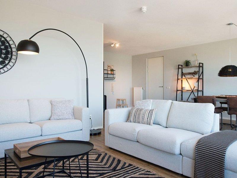 Tasteful Apartment in The Hague with Balcony, location de vacances à 's-Gravenzande