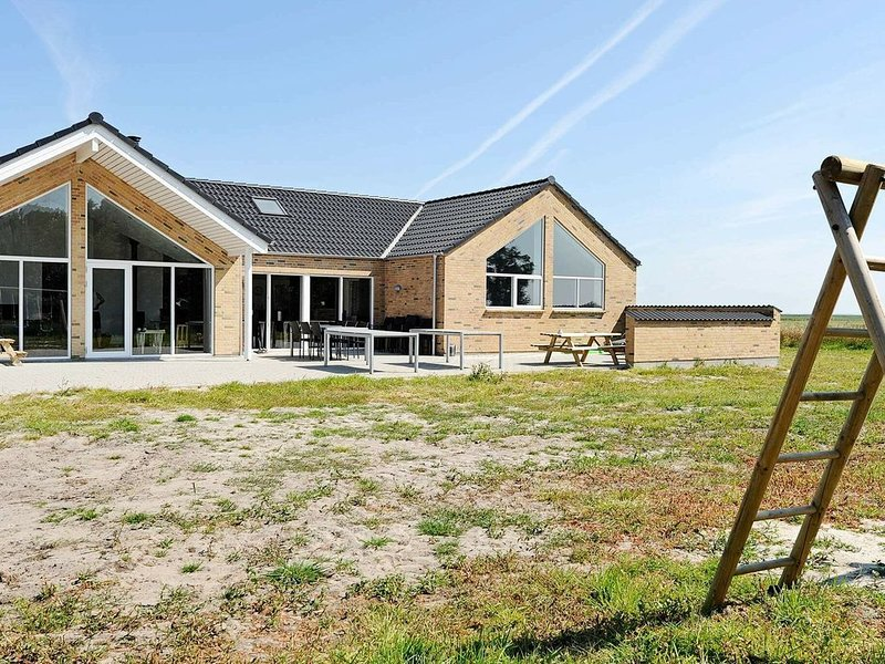 Luxury Holiday Home with private Pool in Rømø Denmark, location de vacances à Toender