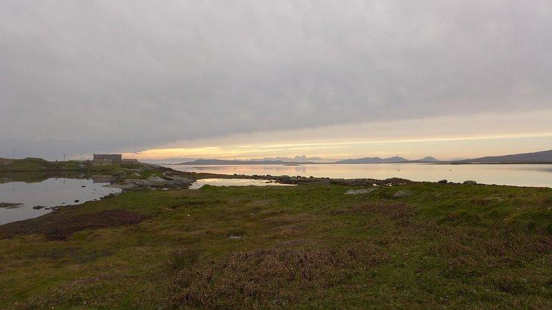 Het voetpad langs de kust van het huisje