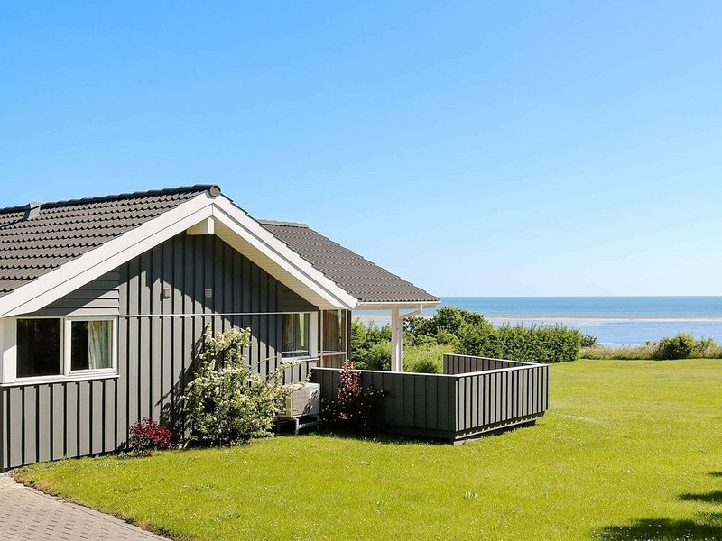 Beautiful Holiday Home in Hadsund with Sauna, vacation rental in Rebild Municipality