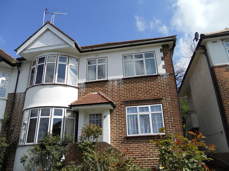 Designed for those who appreciate privacy and space, alquiler vacacional en Ealing