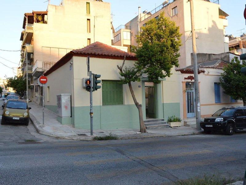 ARTISTIC HOUSE 'Peritechnon ', location de vacances à Piraeus