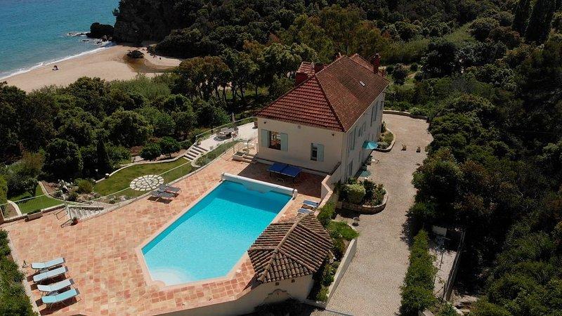 Villa With Garden Gate Straight Onto Beach, holiday rental in Cavalaire-Sur-Mer