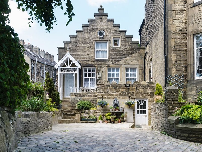 Curiosity Cottage, OAKWORTH, alquiler vacacional en Bingley