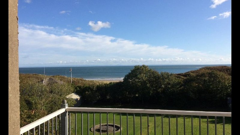 The Hollies is situated in the beautiful area of Horton in the Gower Peninsular, location de vacances à Port Eynon