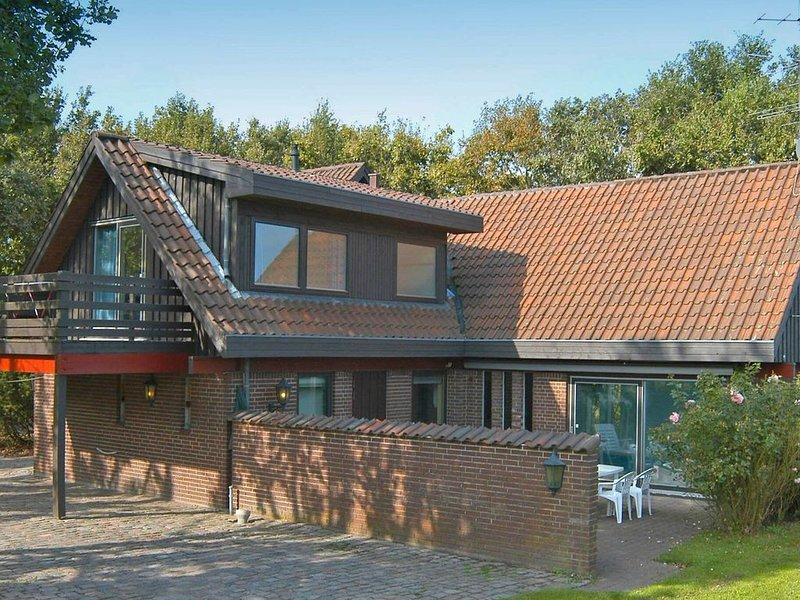 Spacious Holiday Home in Asperup Denmark with Pool, vacation rental in Funen and Islands