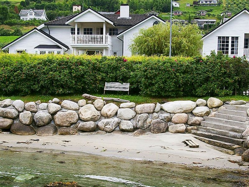 4 star holiday home in leikanger, vacation rental in Sogndal Municipality