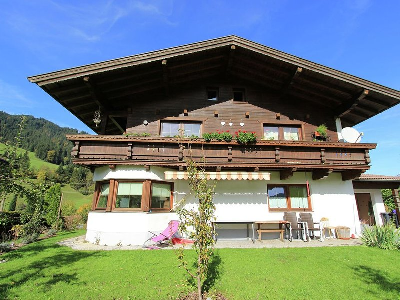 Cosy Apartment in Itter with Private Terrace, vacation rental in Itter