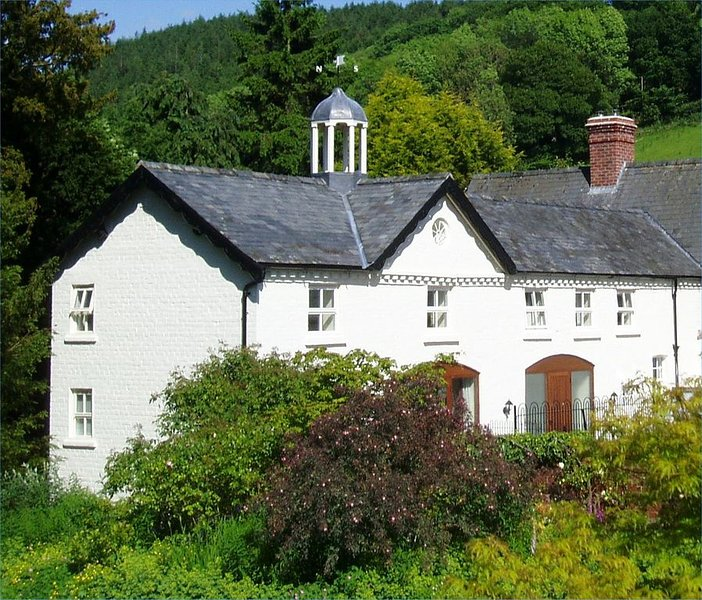 Forest Keep- Kerry Newtown SY16 4DW 3 bedroom, sleeps 5+1 free wifi, vacation rental in Kerry